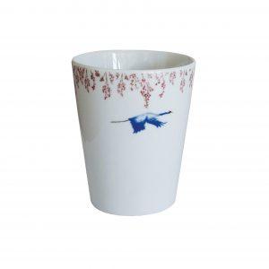 beker van porselein met kraanvogels 'Cherry Blossom & Lucky Cranes'